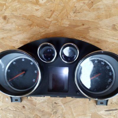 Speedo/clocks/displays