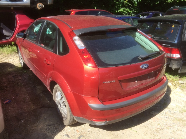 ford focus ghia red a4 2 0tdci 03 07 drivers side wing. Black Bedroom Furniture Sets. Home Design Ideas